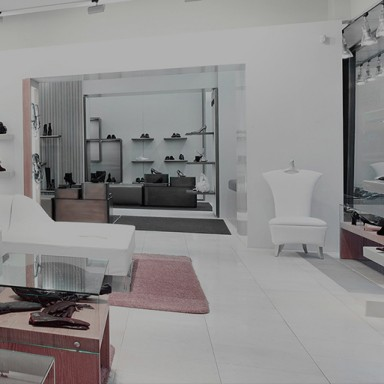 interactive-mirror-shop-multitouch-table