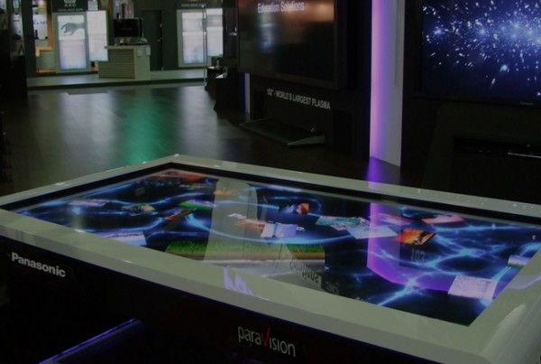 largest-multitouch-table